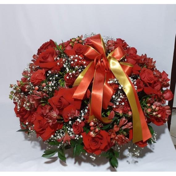 Cesta com 60 Rosas vermelhas  Amor na medida certa Marlene