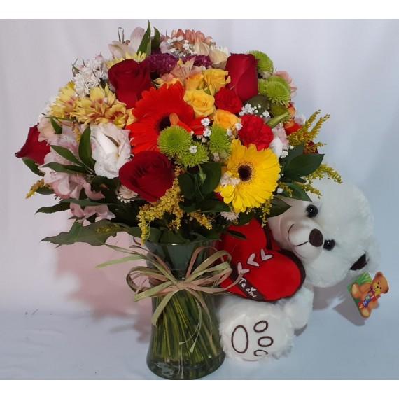 Arranjo Mediano de flores mista com rosas vermelhas e Urso