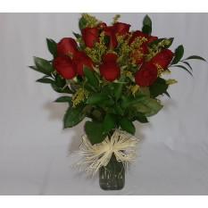 Arranjo de 18 Rosas Vermelhas e Folhagens em Vaso
